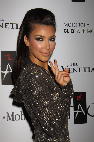 invisible hairstyle kim kardashian -36