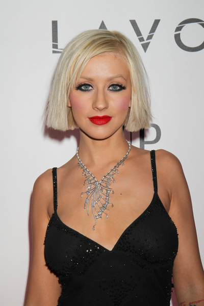 nicole richie bob haircut. This is a choppy haircut with