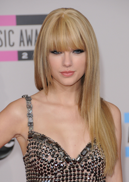 taylor swift with straight hair and. Taylor Swift. Highlights and