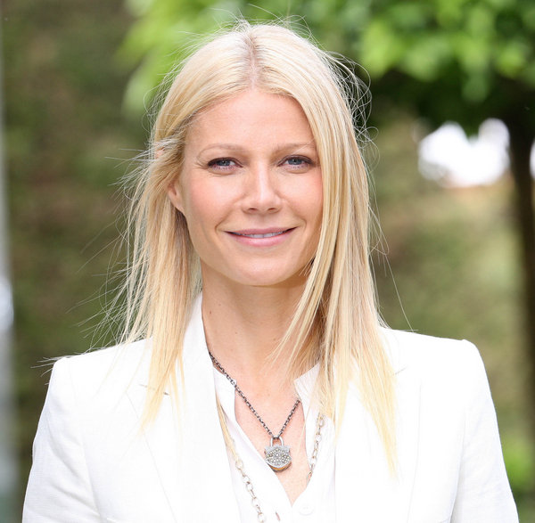 Gwyneth Paltrow Straight Hair Parted In The Middle