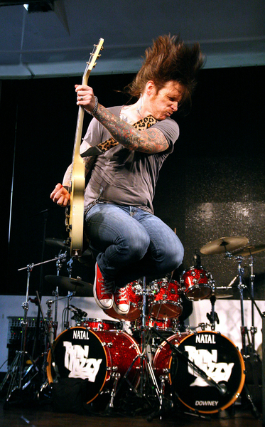 Ricky Warwick in Air