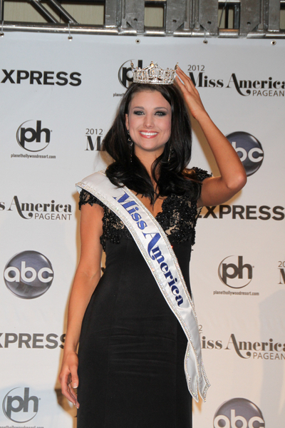 Pageant Hairstyles on More On Laura Kaeppeler Miss America Hairstyle