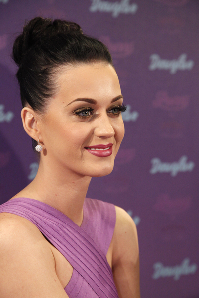 "Katy Perry's ""Purr"" Fragrance Launch at Douglas Shop in Cologne on March 11, 2011"