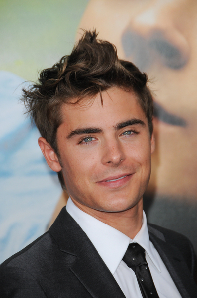 hot men hair styles zac efron wavy and spiked up hair 4327 | BBC 015228